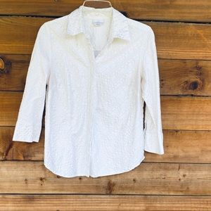 White 3/4 sleeve button up with shimmer lines